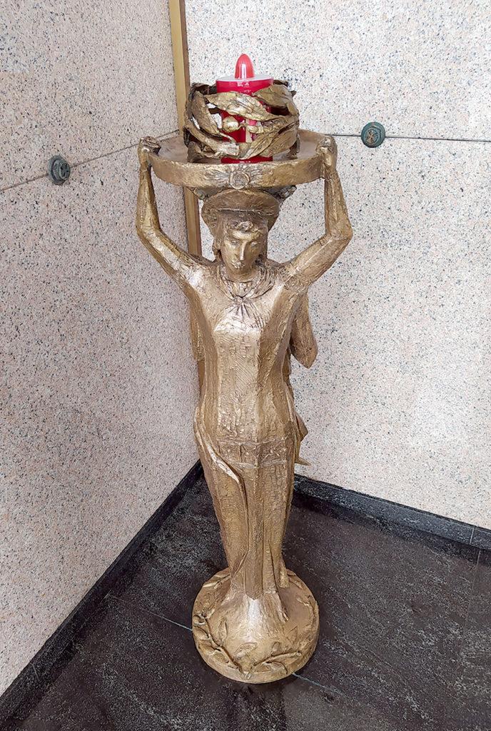 statua a tuttotondo angeli di Elia Ajolfi dopo restauro di Ornella Pobiati